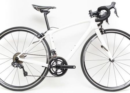 2016 Specialized Ruby Comp 11s 700c Carbon Road Bike 48 cm Shimano Di2