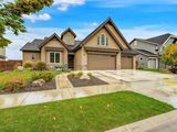 Gorgeous Home in Meridian's Paramount Subdivision